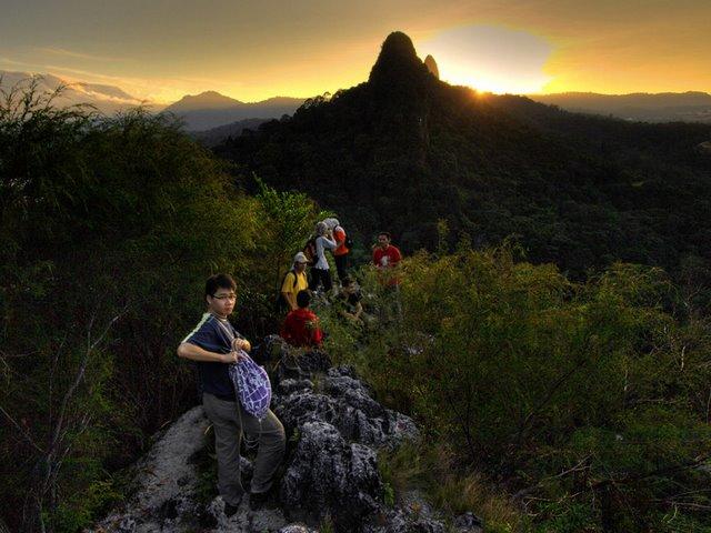 Bukit Tabur, Sunrise